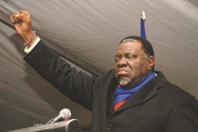 Le président namibien appelle à l'expropriation des fermiers blancs