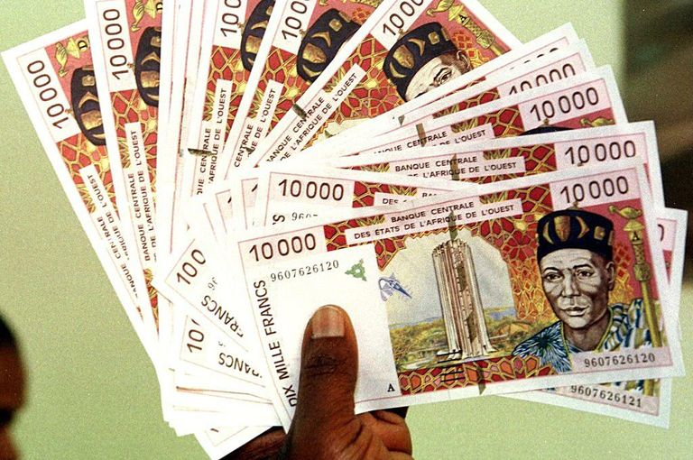 4675135_7_5c84_coupures-de-10-000-francs-cfa-15-euros_5aa82f921ffbecea1d14b2a94d228714