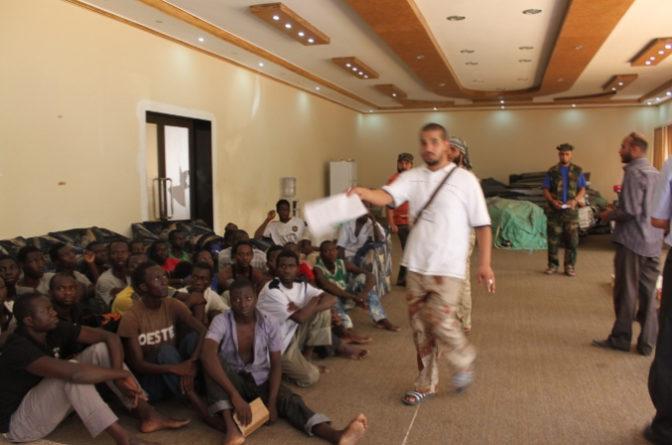 Libye : des africains vendus aux enchères sur des marchés aux esclaves modernes
