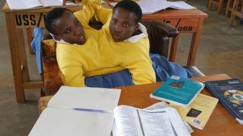 Inspiration : Ces soeurs siamoises de 19 ans veulent devenir enseignantes