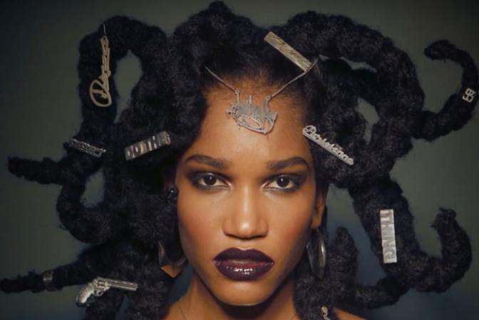 [Expo] «Medusa»: la place des bijoux dans l'univers Hip-Hop