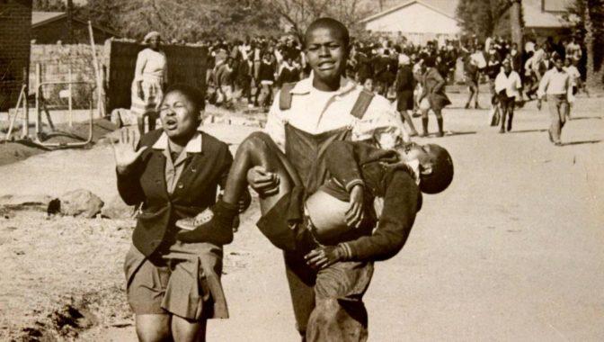 Le «Massacre de Soweto» ou la sanglante répression policière contre la jeunesse noire d'Afrique du Sud
