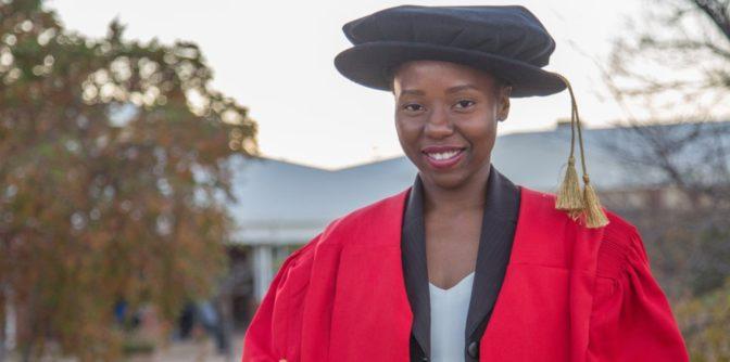 Musawenkosi Saurombe, la plus jeune détentrice d'un doctorat en Afrique