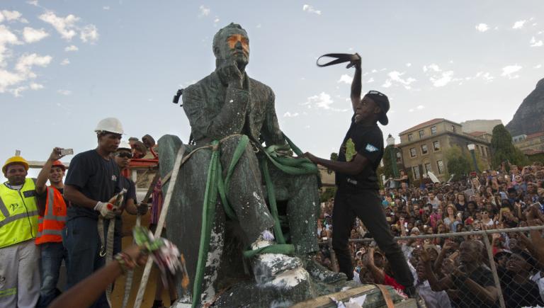 Tour du monde des monuments esclavagistes détruits par des activistes