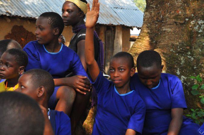 Ecosmart Pads, une entreprise ougandaise qui fabrique des serviettes hygiéniques bon marché pour les jeunes filles défavorisées