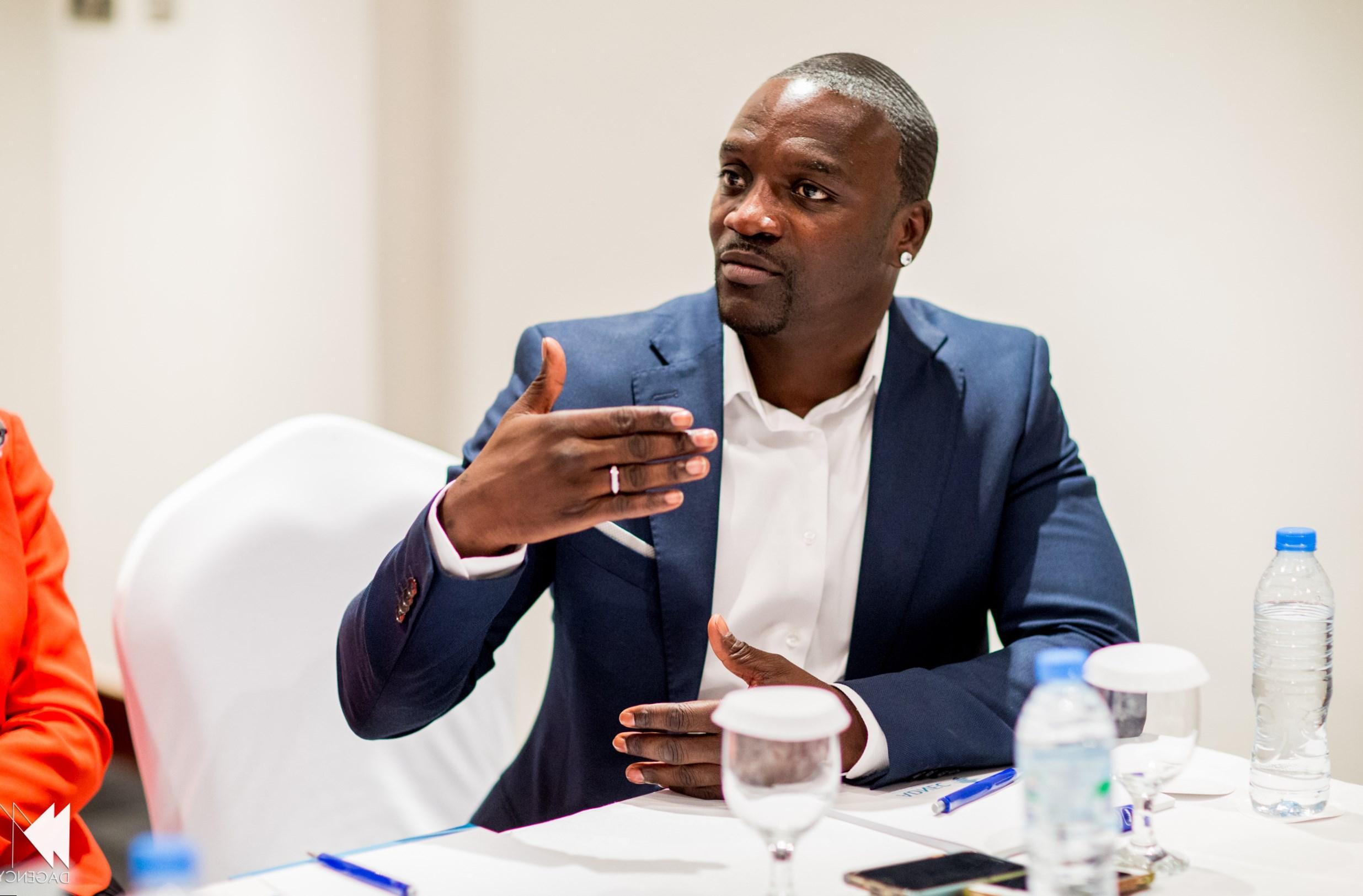 Akon investit 50 millions de dollars pour électrifier le Mozambique