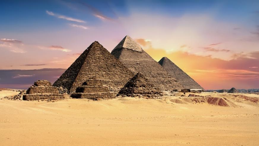 Découverte d'un espace caché dans la Grande Pyramide de Gizeh