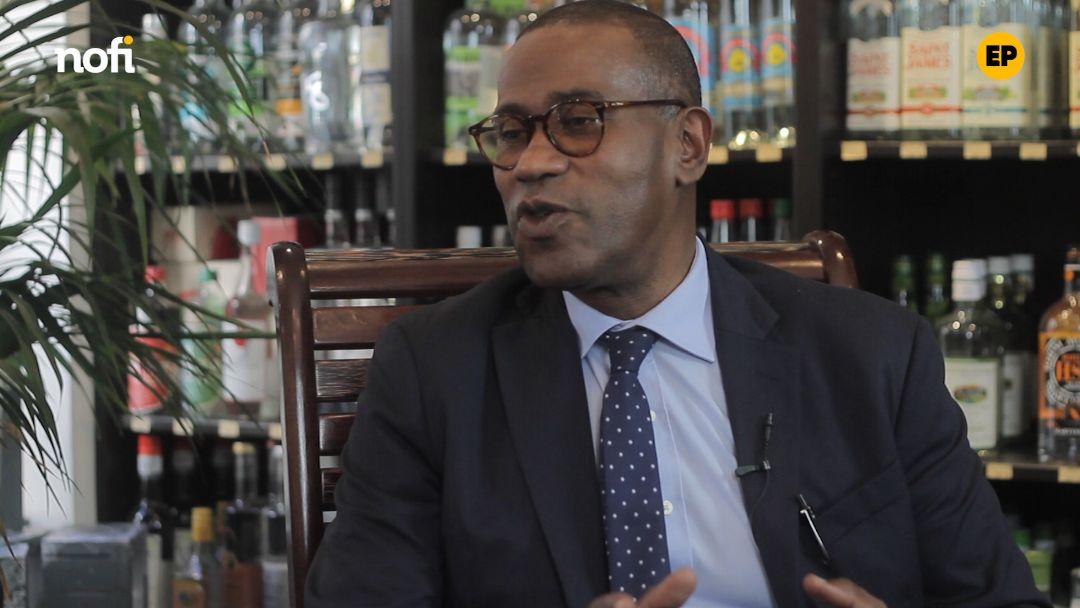 L'écrin politique avec Max Mathiasin: parrain de la politique en Guadeloupe