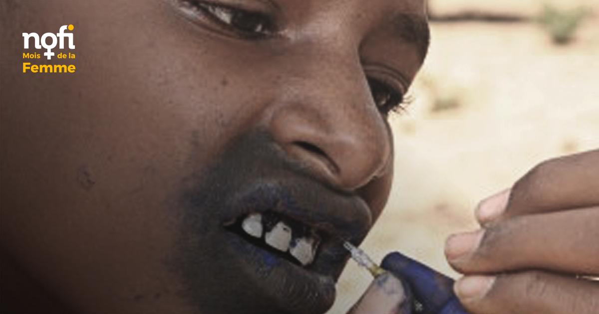 Le tatouage de bouche des femmes peules