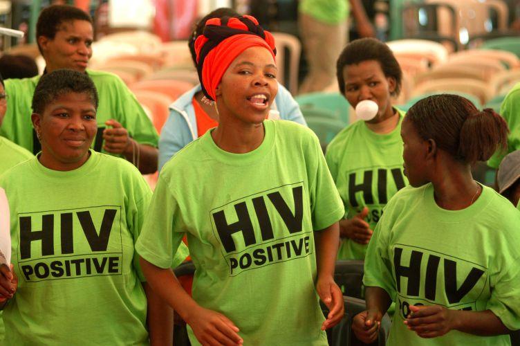 VIH en Afrique: la mortalité des femmes baisse de 43%