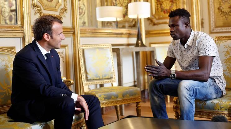 Mamoudou Gassama, de sans-papier à sapeur-pompier