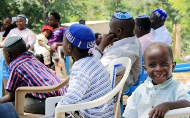Israël refuse officiellement de reconnaître 2 000 juifs ougandais comme… juifs