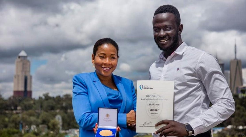 Un jeune Ougandais remporte un prix d'excellence avec son test de dépistage du paludisme