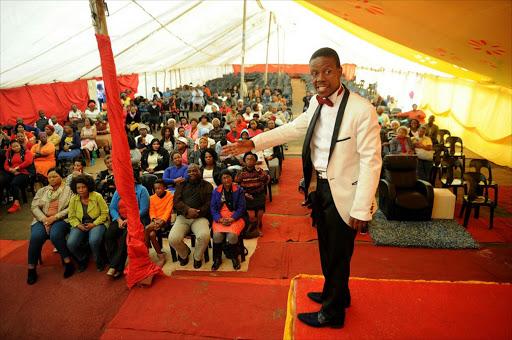 Prophète Mboro, le pasteur le plus dingue d'Afrique?