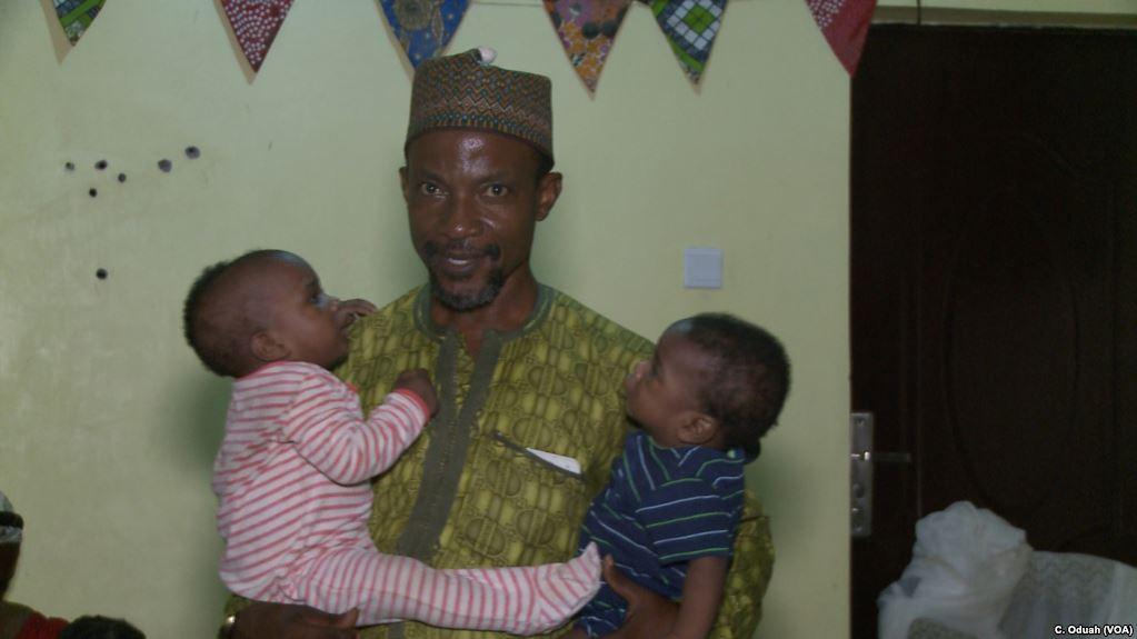 Cet homme se bat pour sauver les enfants jumeaux de meurtres rituels au Nigéria