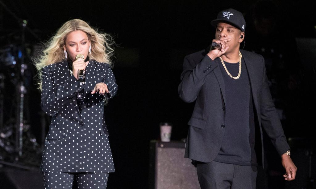 Beyoncé et Jay-Z offrent des bourses d'études d'un million de dollars à des lycéens méritants