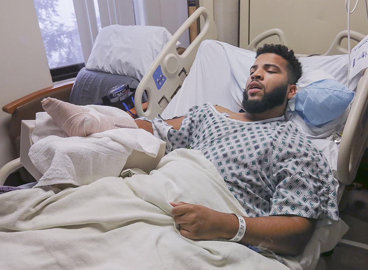 Ce héros a été hospitalisé pour avoir sauvé une inconnue d'un coup de machette