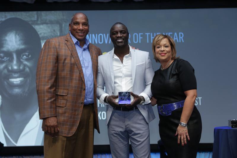 Akon remporte le prix «Innovateur de l'année» de Black Enterprise