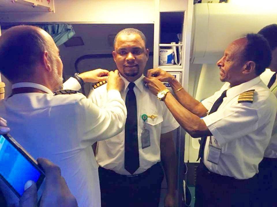 L'histoire extraordinaire d'un ancien nettoyeur d'avion devenu pilote