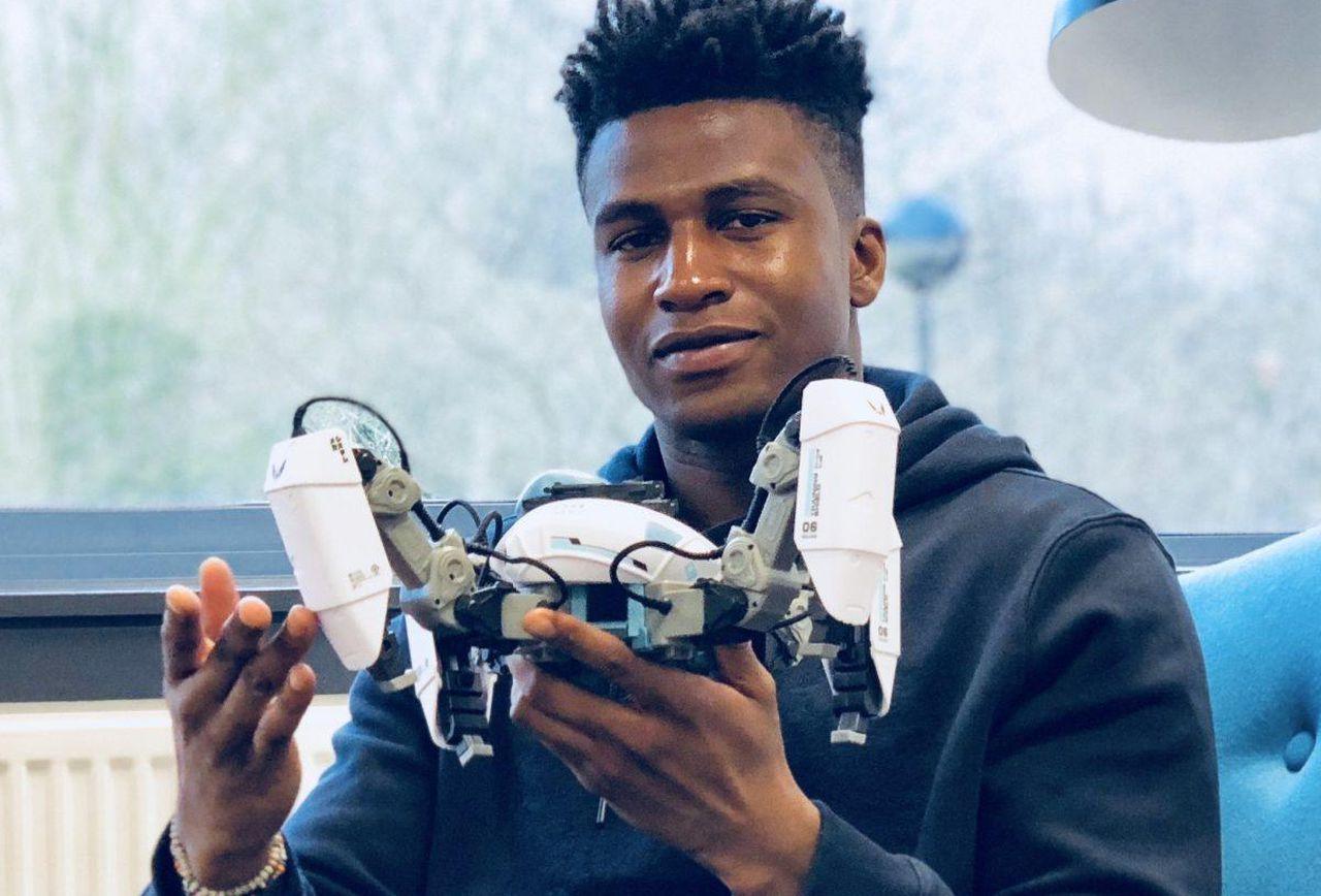 Ce jeune homme est l'ingénieur en robotique le mieux payé au monde