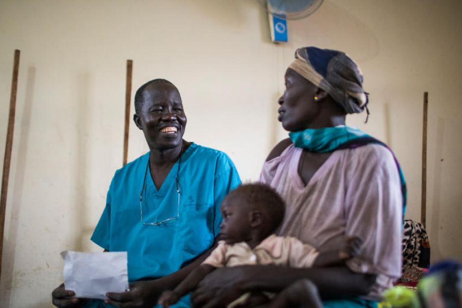 Le chirurgien sud-soudanais Evan Atar reçoit le Prix Nansen 2018