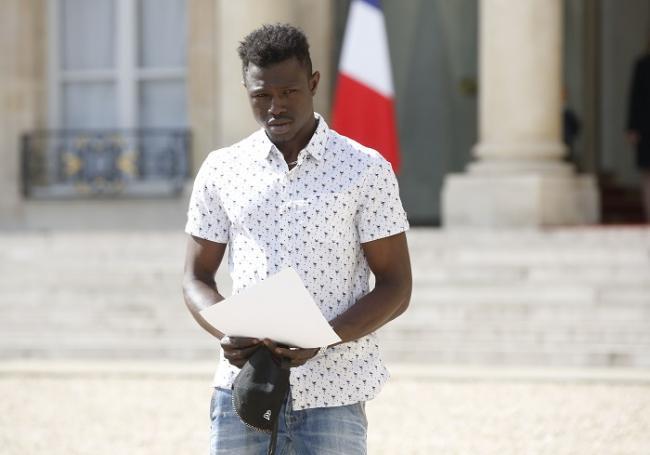 Mamoudou Gassama a reçu son décret de naturalisation