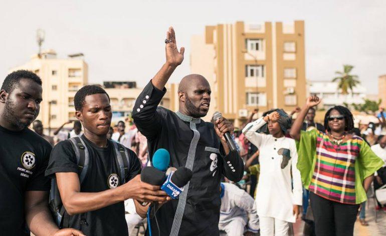Kemi Seba initie les «Procès du Peuple contre la Françafrique»