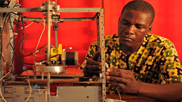 Ces Togolais créent des imprimantes à partir de déchets électroniques