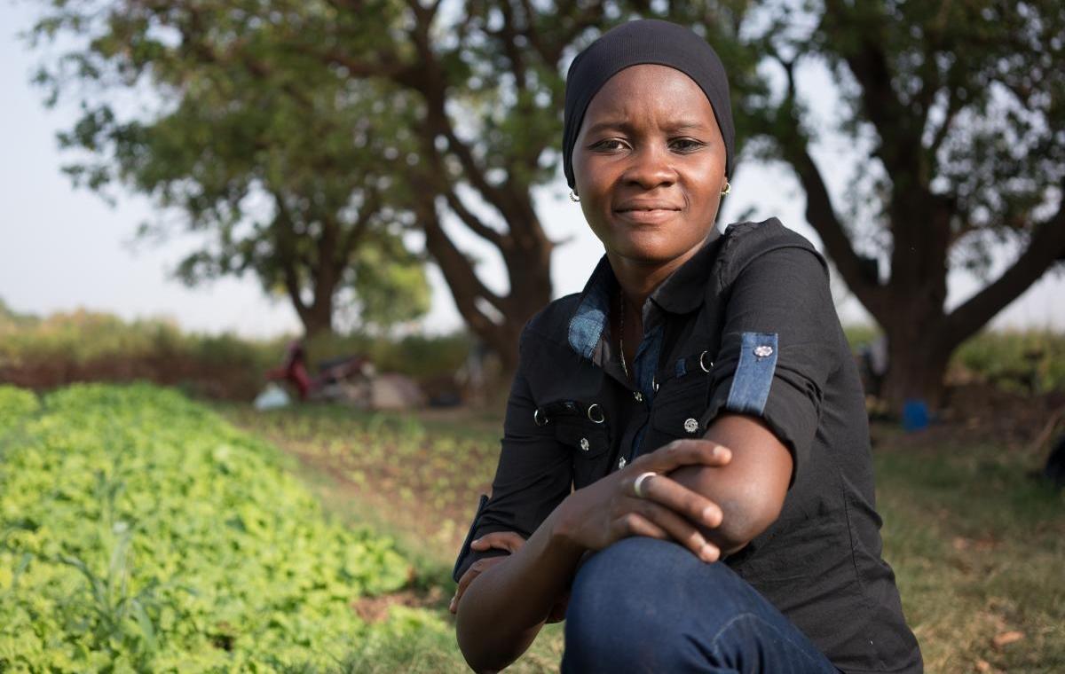 Cette Nigérienne transforme des plantes nuisibles en gaz naturel