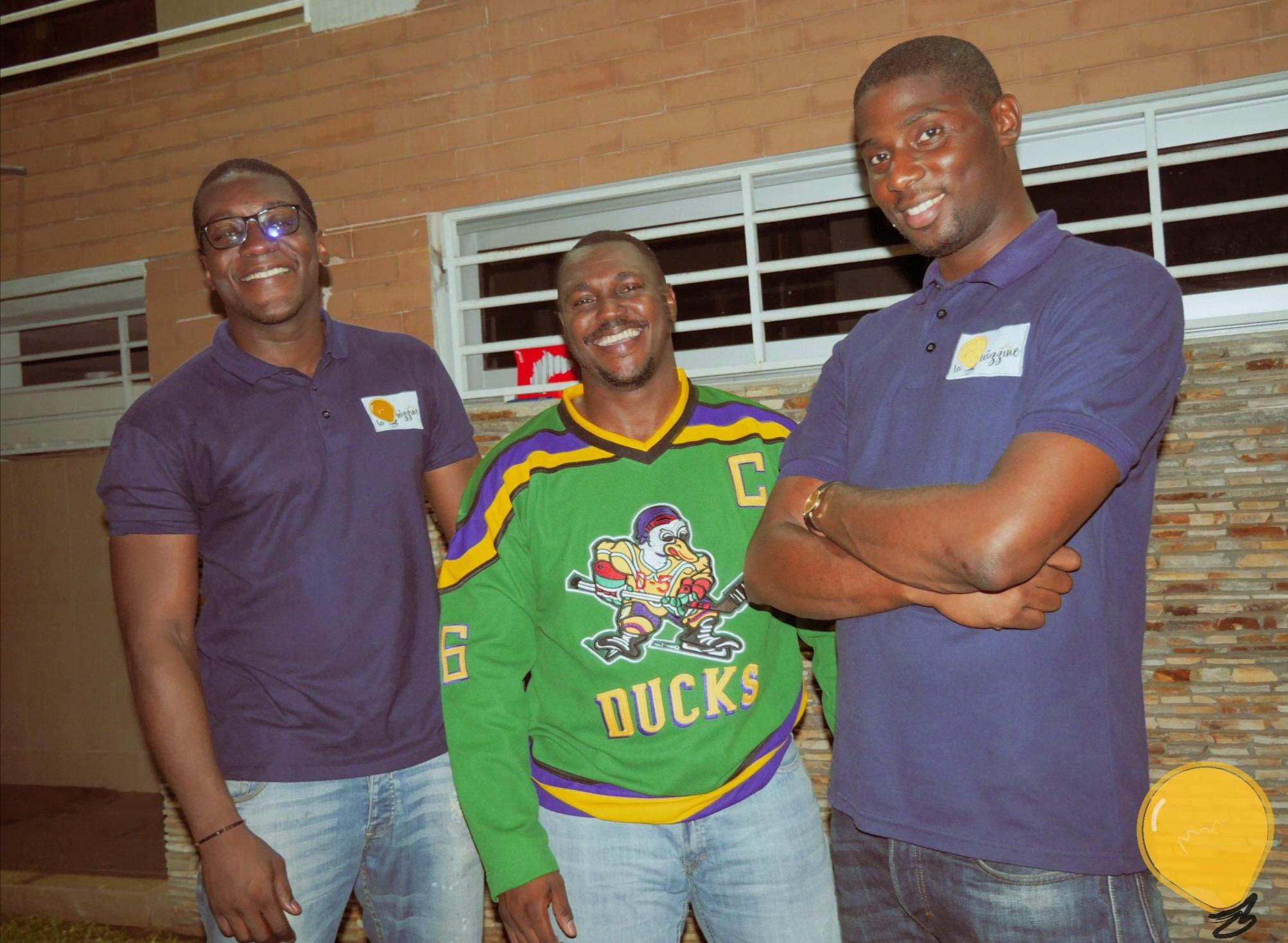 À Abidjan, de jeunes ivoiriens s'enjaillent autour de la Culture Générale