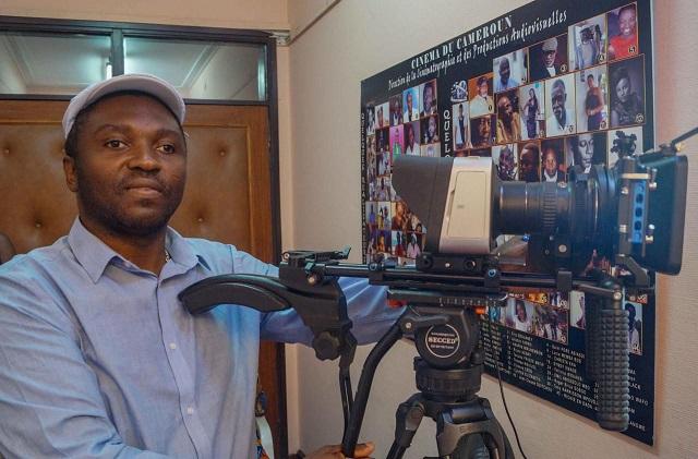 MASON Cyrille Elong Ewing, styliste et producteur de cinéma aveugle