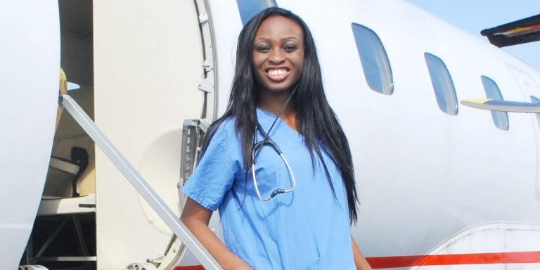 Cette femme a créé la première ambulance volante d'Afrique de l'Ouest