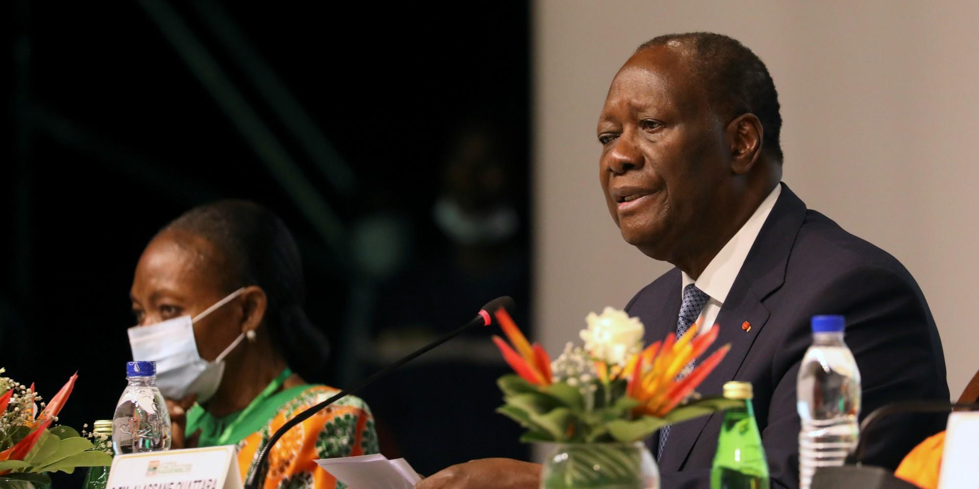Alassane Ouattara se représente pour un troisième mandat présidentiel