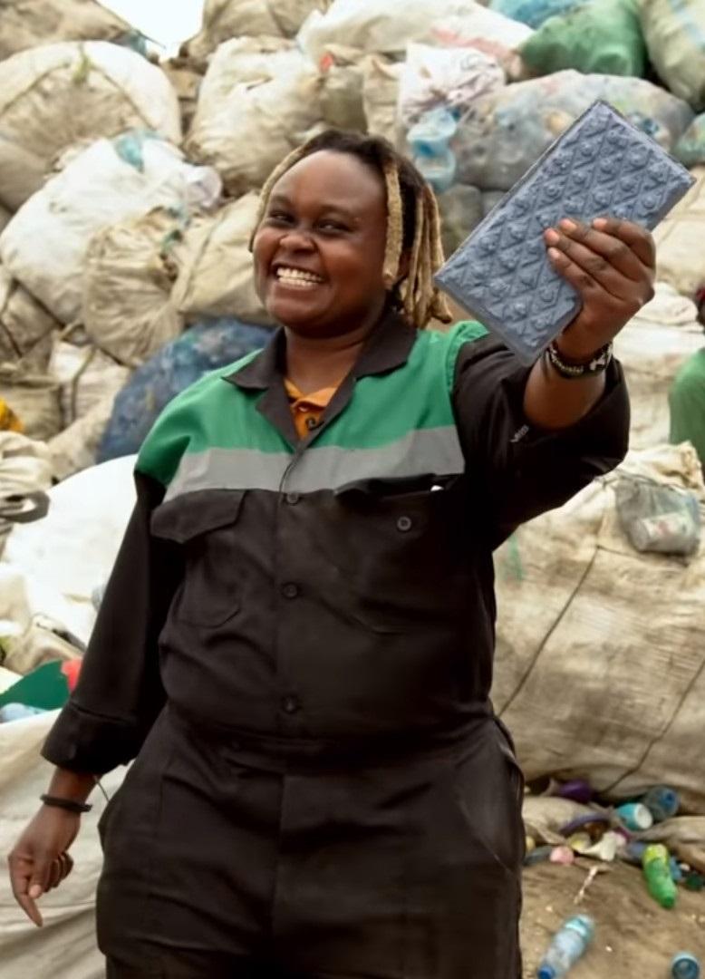 Une ingénieure kenyane invente une brique plus solide que le béton