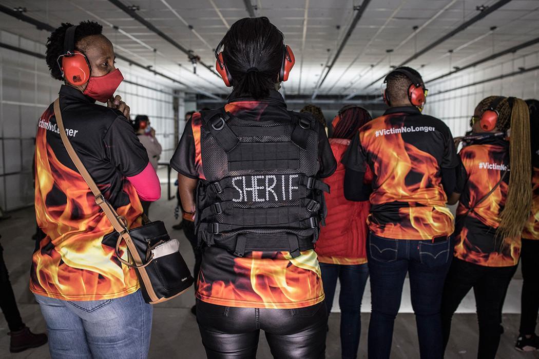 Lassée des violences, les sud africaines tirent à balles réelles