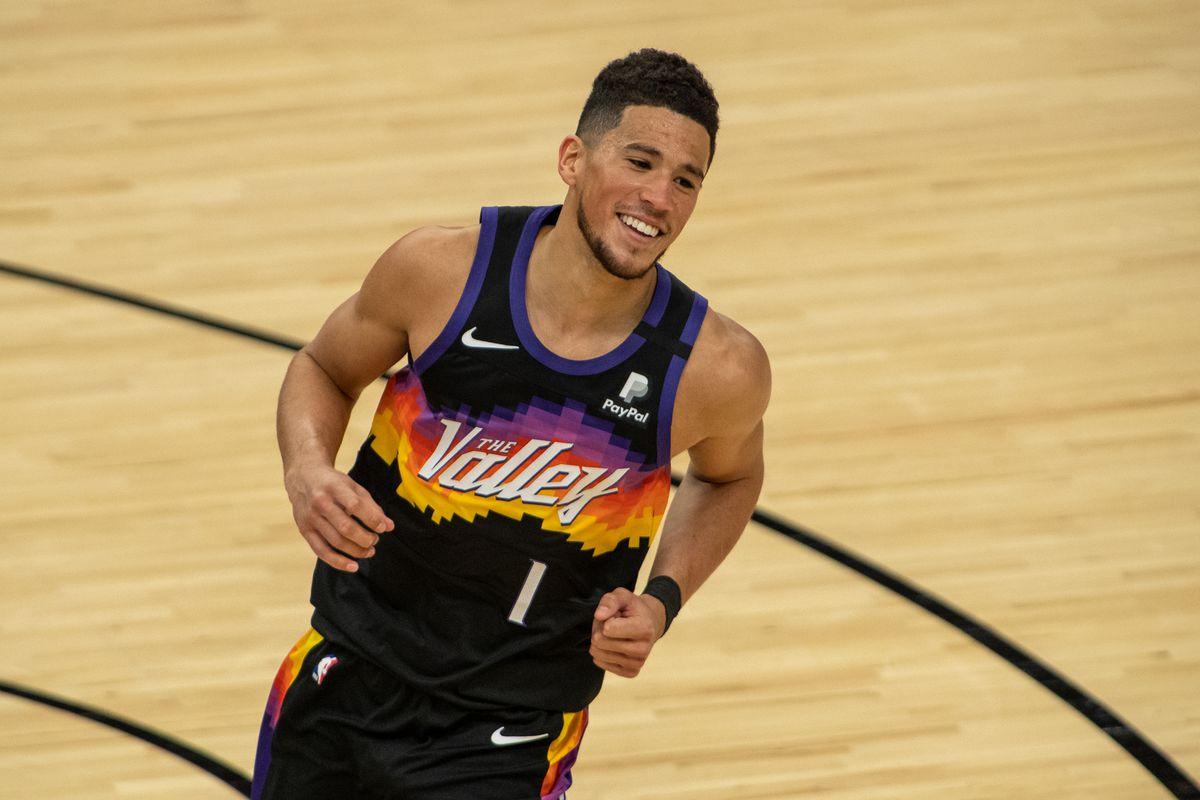 PLAYOFFS NBA 2021 : CINQ JOUEURS À LA POURSUITE DE LEBRON JAMES