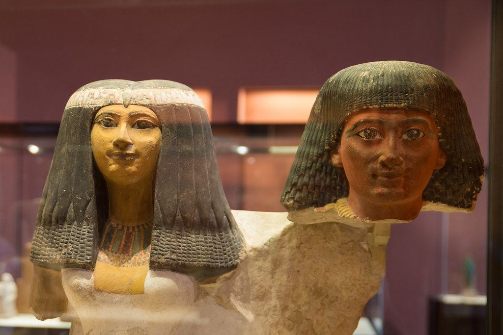 Km (Black) and dšr (Red) people in Ancient Egypt