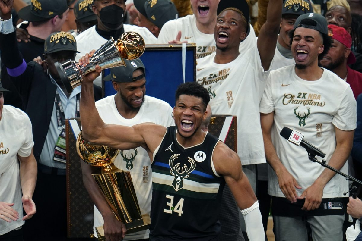 Antetokounmpo: The greek freak champion NBA 2020–2021!